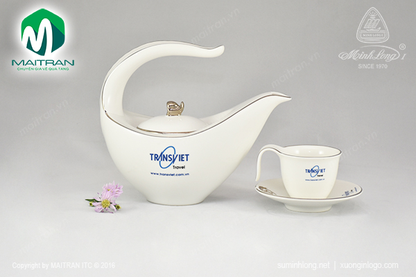 Bộ trà gốm sứ Minh Long Anh vũ in logo TRANSVIET
